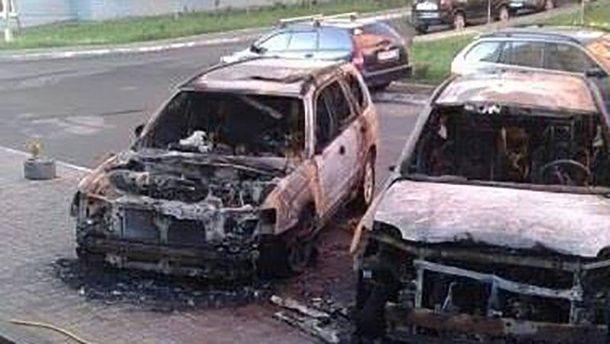 В Киеве сгорели два авто
