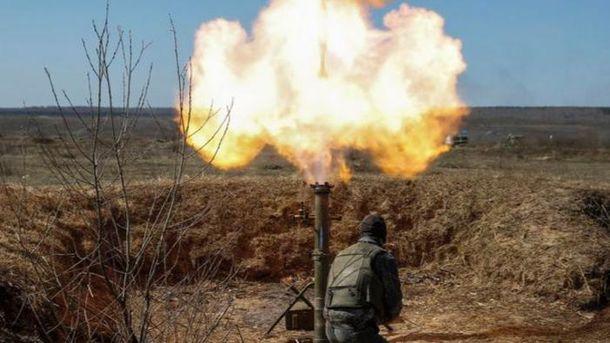 Террористы и дальше  обстреливают украинские позиции