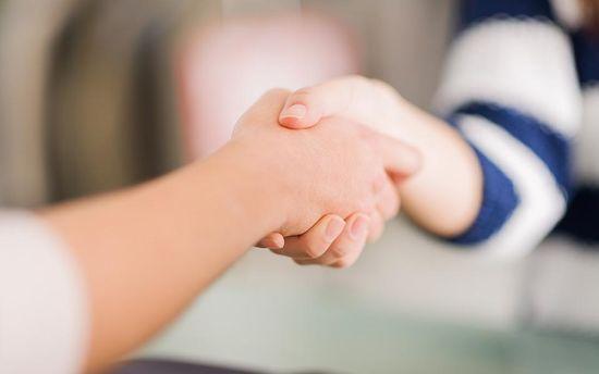 Слабое рукопожатие