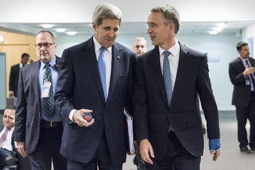 Держсекретар США Джон Керрі та Генсек НАТО Єнс Столтенберг