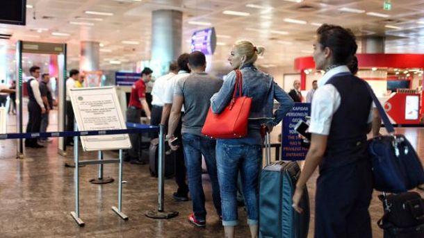 Из-за теракта в Стамбуле было отменено много рейсов