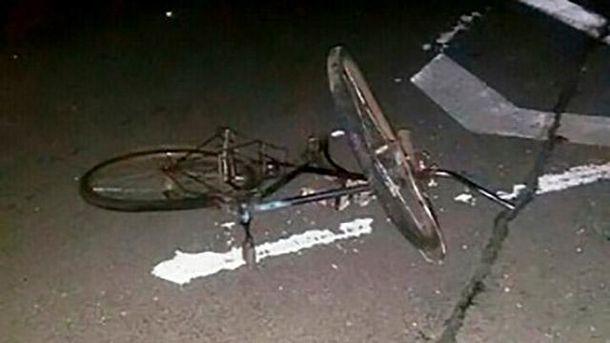 Велосипедиста переїхали два авто на Рівненщині