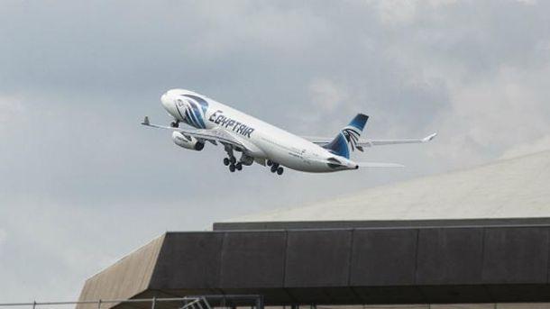 Самолет EgyptAir потерпел катастрофу в Средиземном море в мае