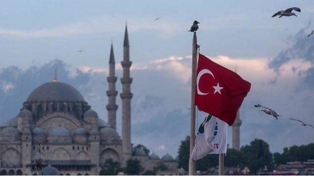 Украинцы теперь смогут дольше находиться в Турции без виз
