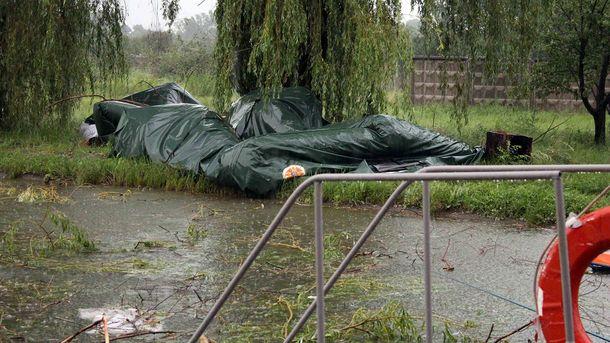 Поваленная  палатка