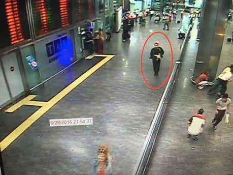 Один із терористів, які вчинив теракт в Стамбульському аеропорту