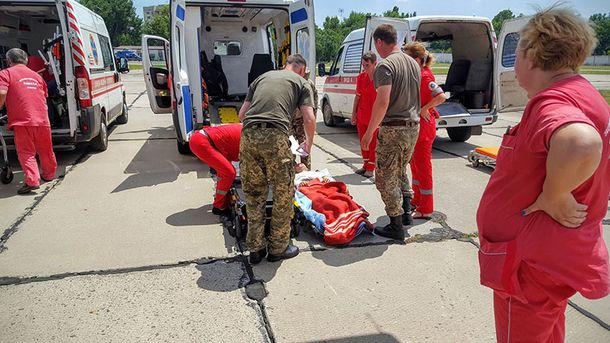 В Одесу доставили 15 поранених