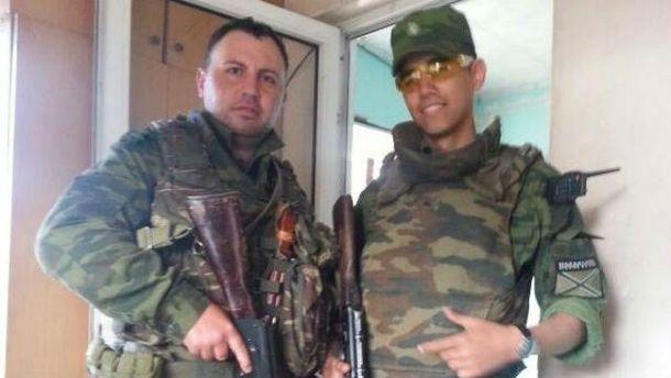 Антоніо Катальдо зліва