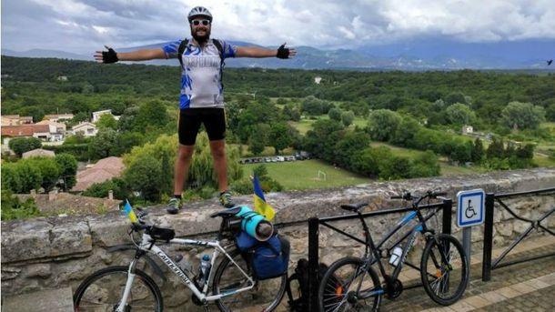 Олег Авдєєв відправився в Європу на велосипеді