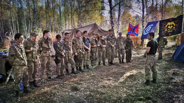 На Донбассе молодежь активно готовят к боевым действиям