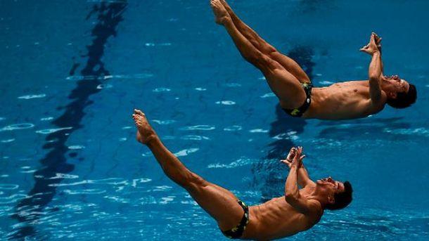 Зрелищные прыжки в воду