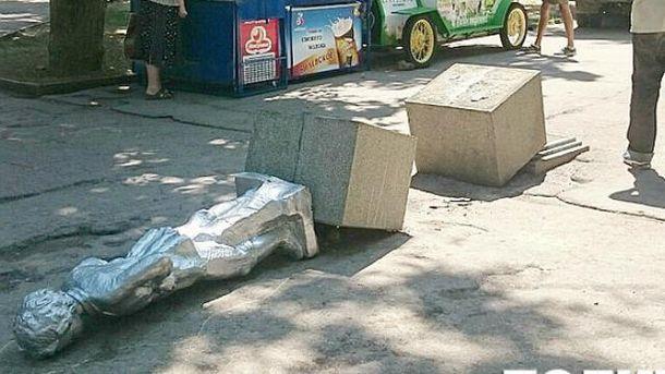 В Севастополе повалили Ленина