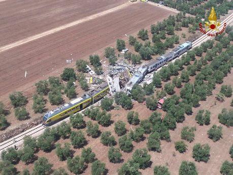Зіткнення поїздів