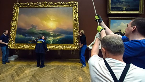 Оккупанты позарились на картины мастера
