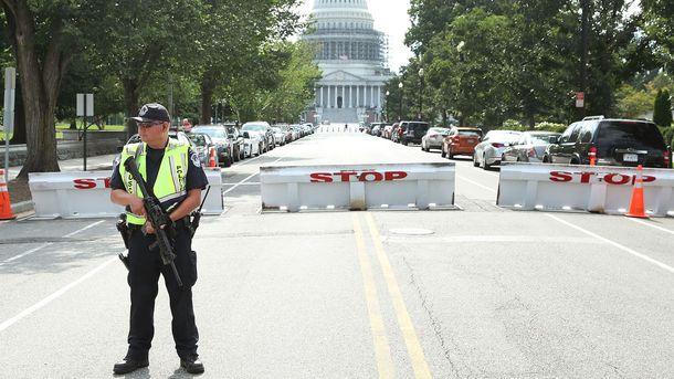 Правоохранители вынуждены были заблокировать Капитолий