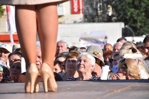Юлия Тимошенко в туфлях со змеиной кожи