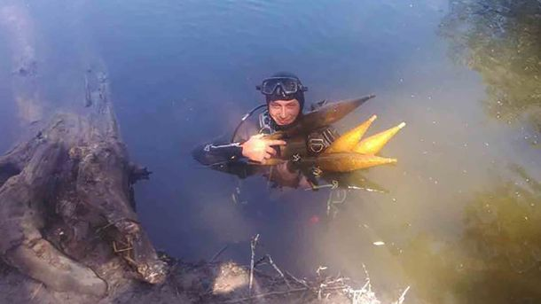 Піротехніки розміновують акваторію річки Айдар