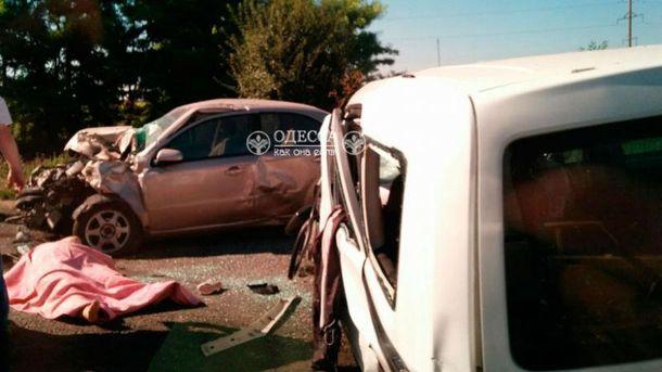 В аварии пострадало 13 человек
