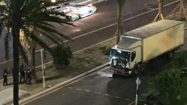 Вантажівка врізалась у натовп у Ніцці