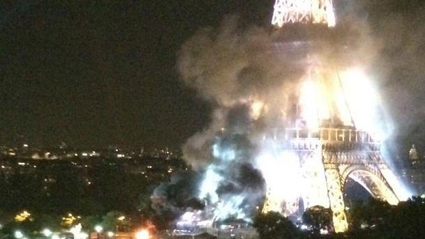 Возле Эйфелевой башни произошел пожар