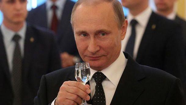 Володимир Путін святкує