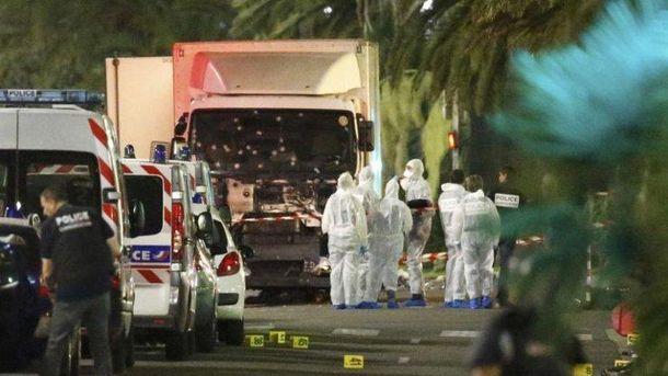 Террорист напал на людей, которые праздновали День взятия Бастилии