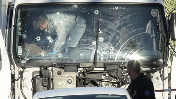 Вантажівка, яка стала засобом теракту