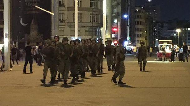 Військові на площі Таксім у Стамбулі