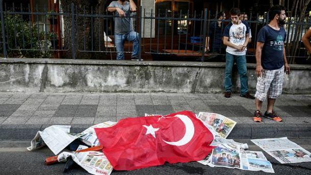 Количество жертв попытки переворота в Турции резко возросло