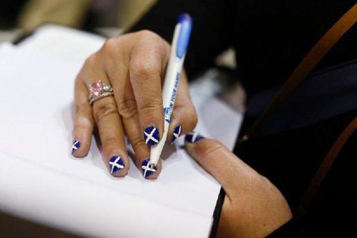 Шотландка голосує
