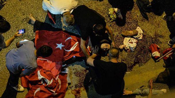 Кількість жертв внаслідок спроби перевороту в Туреччині знову зросла