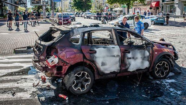 Автомобиль, в котором находился Шеремет, после взрыва