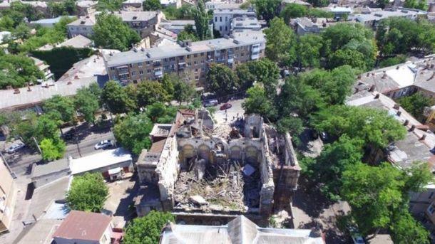 В Одесі завалився