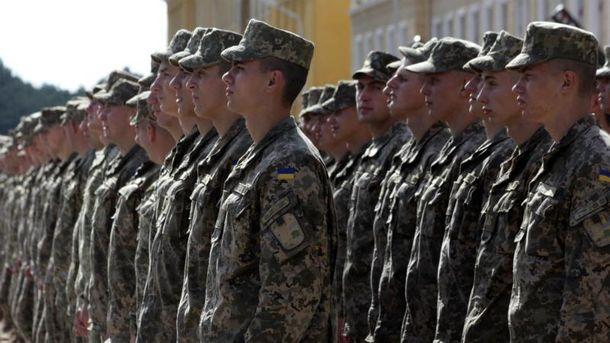 Майже 200 військових отруїлись через неякісну їжу