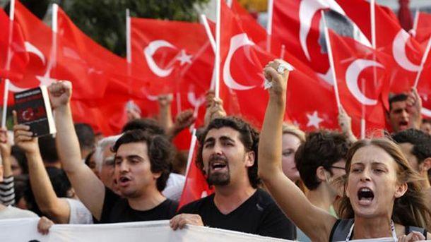 У Туреччині оголошений надзвичайний стан