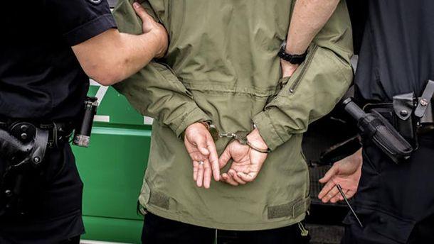 Наркодилера задержали с поличным (иллюстрация)