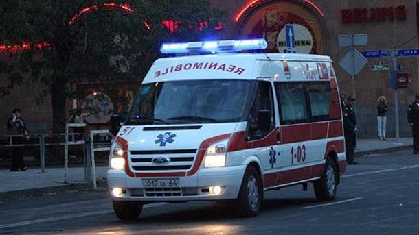 Протестующие взяли в заложники медиков