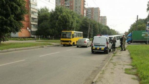Мікроавтобус з журналістами потрапив в ДТП