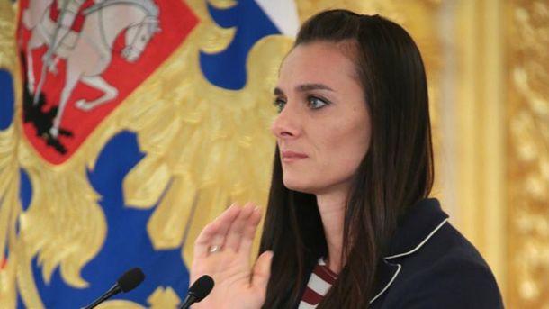 Ісінбаєва не змогла стримати сліз