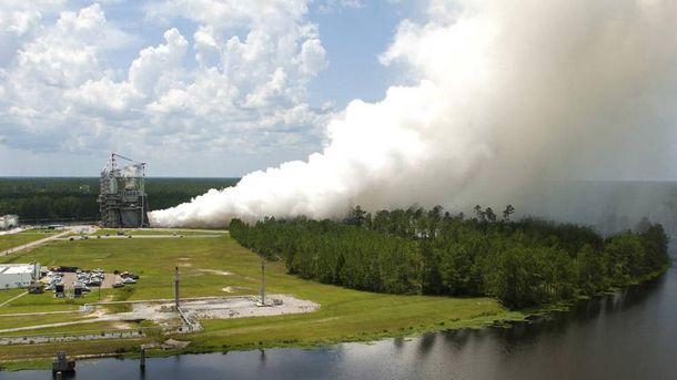 Испытания двигателя для ракеты-носителя