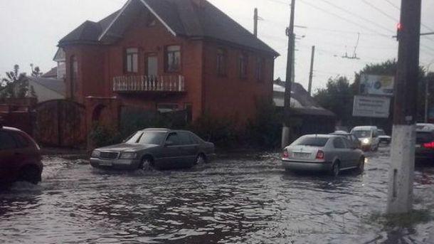 Це перехрестя у Житомирі затоплює регулярно