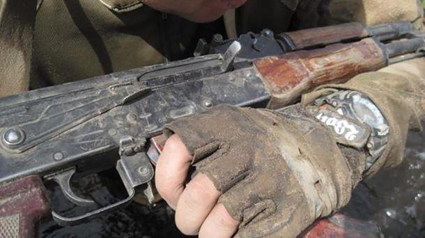Раніше судимий намагався відібрати в українця зброю