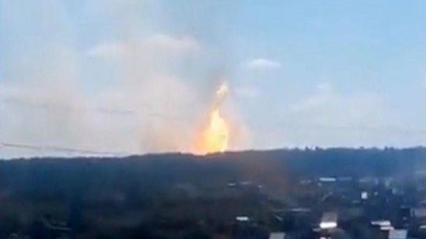 Огненный столб над лесом в России
