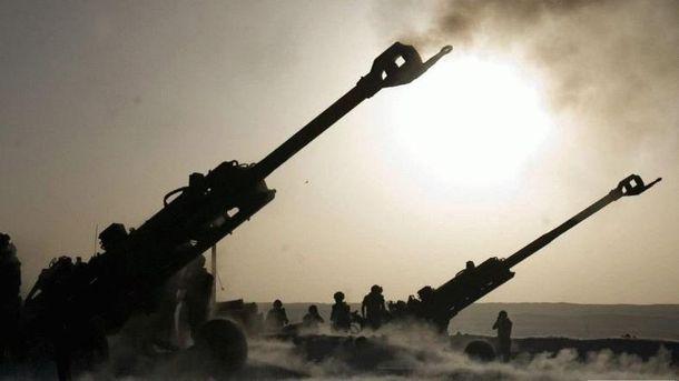 Бойовики обстрілюють українців із важкої артилерії