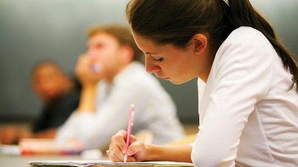 Большинство выпускников знают украинский язык на высоком уровне