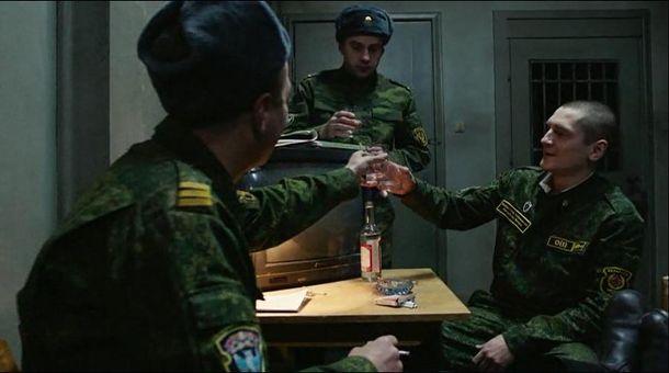 В России солдаты любят принять на грудь