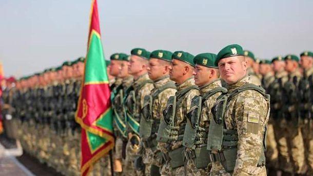 Військові, які готуються до параду