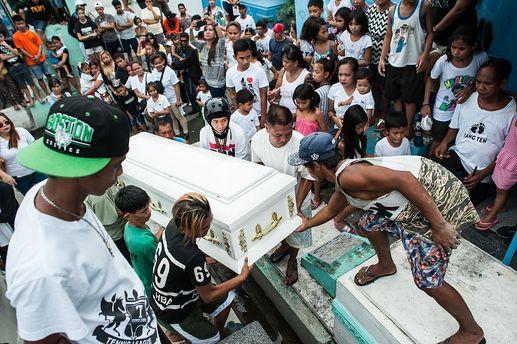 Похорон убитого у боротьбі з наркомафією