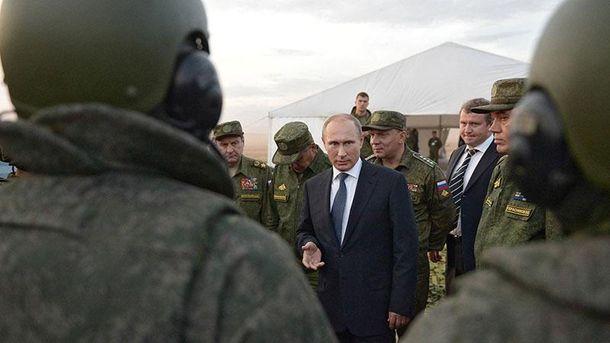 Путін і російські військові