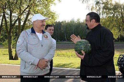 Сігал має білоруське коріння